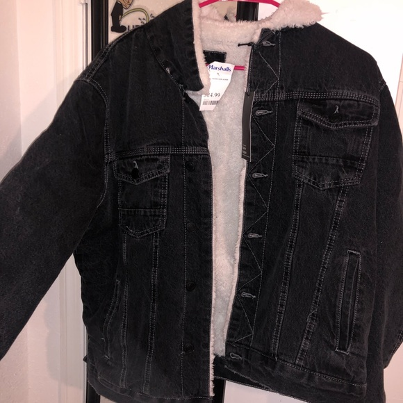 great look closer at fast color Black jean jacket with fur